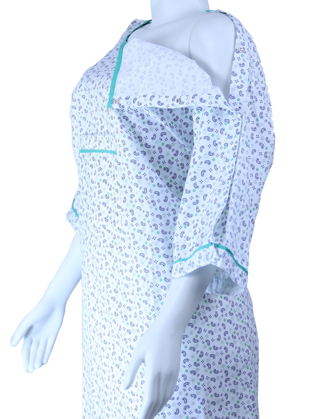 IV Gown-01